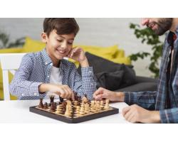 Пять причин играть с детьми в настольные игры